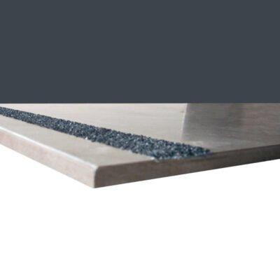 Sistema de antideslizaminto para pavimentos de gres y gres porcelánico. Carborundum