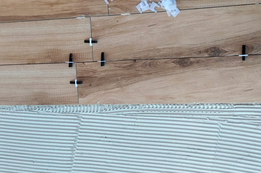 Cómo colocar pavimento imitación madera