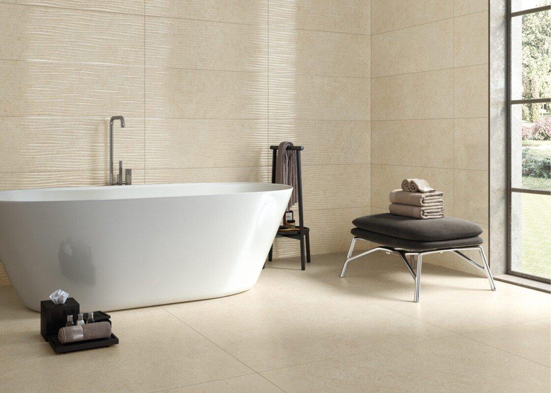 Baño con porcelánico imitación mármol beige