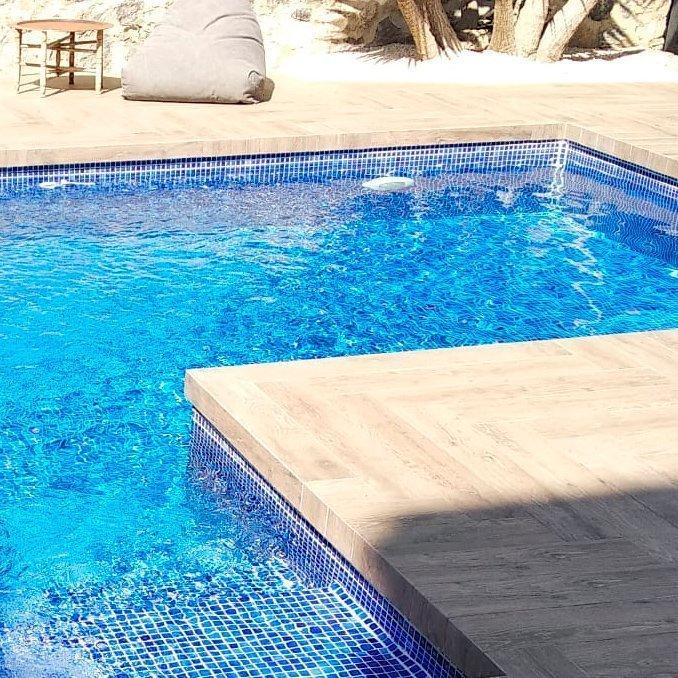 Coronación piscina cerámica imitación cerámica