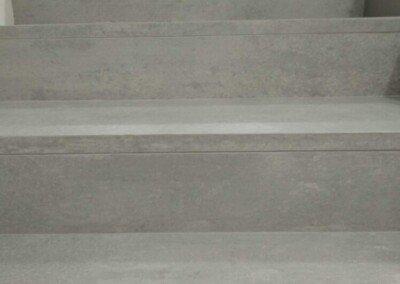 Escalera con peldaños ingletado simple imitación cemento MYS-60120